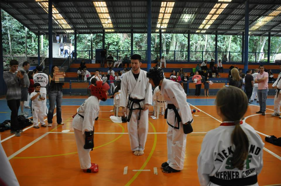 "Copa Barreto Taekwondo 2015  - <i class=""fa fa-download""></i> <a href=""../images/galeria/copa_barreto_2015/foto_102.jpg"" target=""_blank"" download>Download</a>"