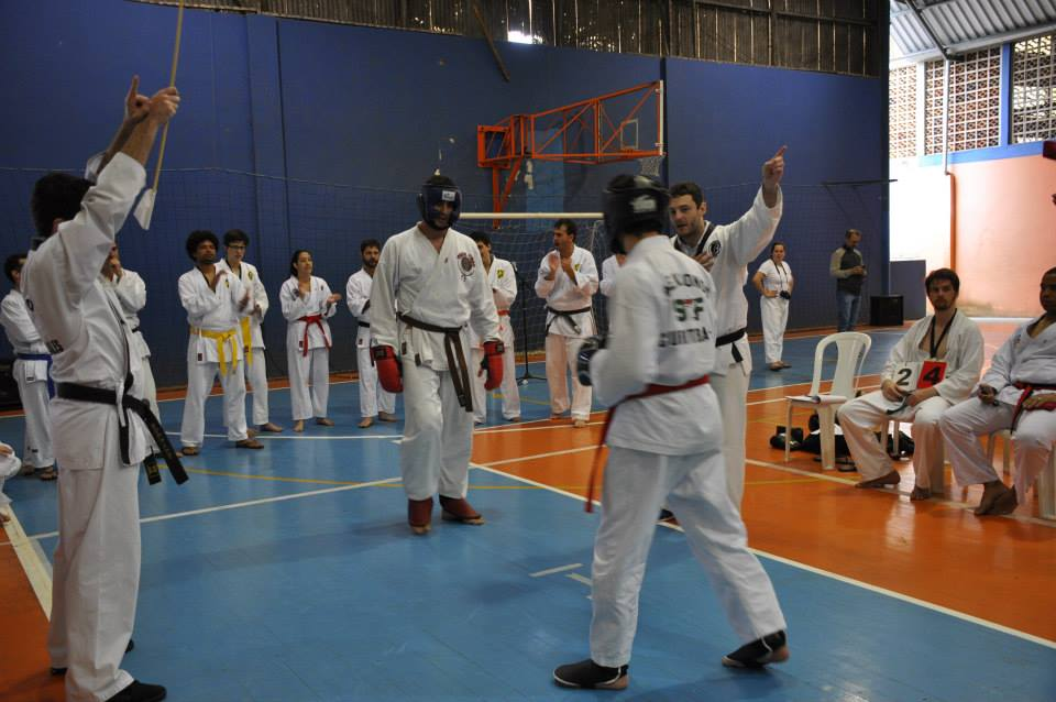 "Copa Barreto Taekwondo 2015  - <i class=""fa fa-download""></i> <a href=""../images/galeria/copa_barreto_2015/foto_105.jpg"" target=""_blank"" download>Download</a>"