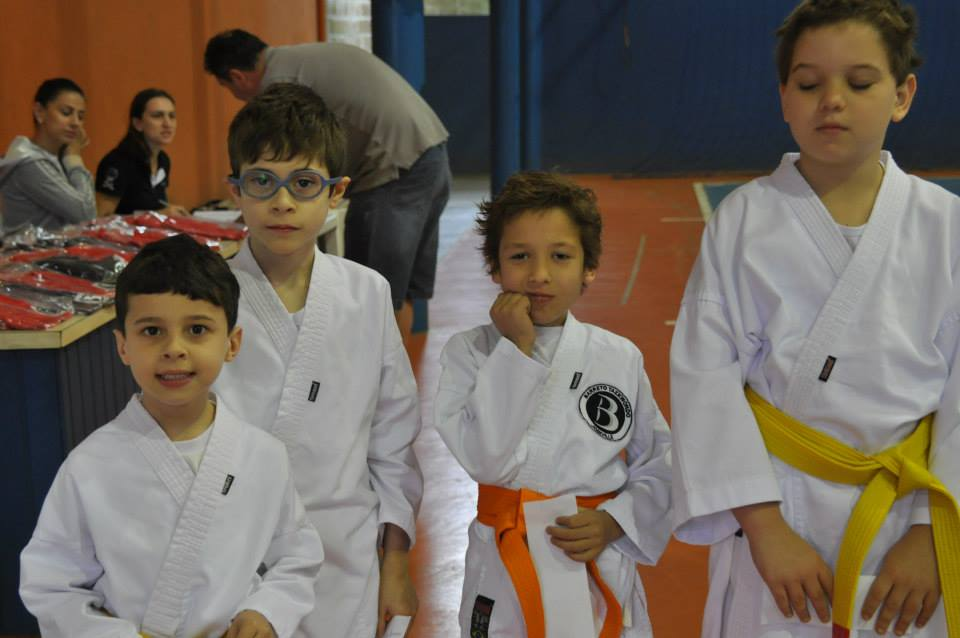 "Copa Barreto Taekwondo 2015  - <i class=""fa fa-download""></i> <a href=""../images/galeria/copa_barreto_2015/foto_11.jpg"" target=""_blank"" download>Download</a>"