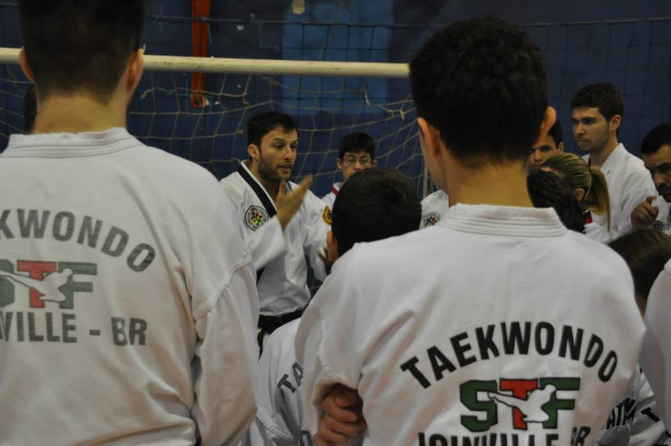 "Copa Barreto Taekwondo 2015  - <i class=""fa fa-download""></i> <a href=""../images/galeria/copa_barreto_2015/foto_14.jpg"" target=""_blank"" download>Download</a>"