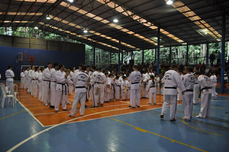"Copa Barreto Taekwondo 2015  - <i class=""fa fa-download""></i> <a href=""../images/galeria/copa_barreto_2015/foto_17.jpg"" target=""_blank"" download>Download</a>"