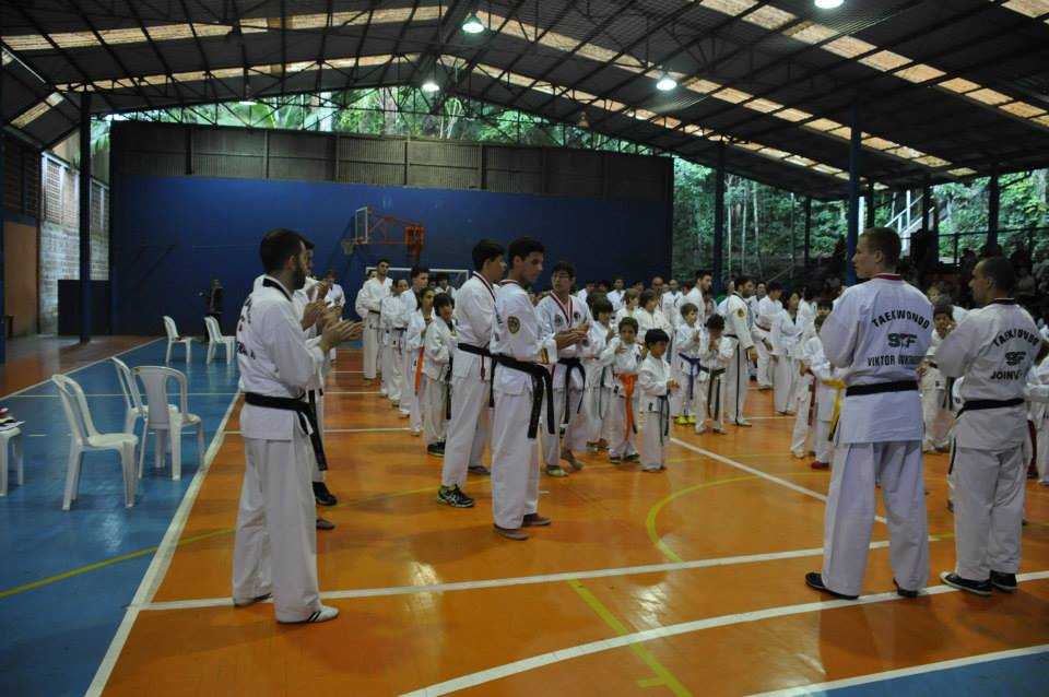 "Copa Barreto Taekwondo 2015  - <i class=""fa fa-download""></i> <a href=""../images/galeria/copa_barreto_2015/foto_21.jpg"" target=""_blank"" download>Download</a>"