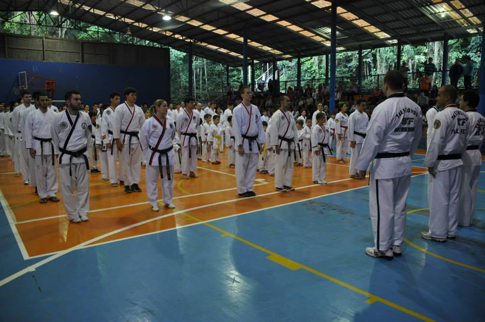 "Copa Barreto Taekwondo 2015  - <i class=""fa fa-download""></i> <a href=""../images/galeria/copa_barreto_2015/foto_23.jpg"" target=""_blank"" download>Download</a>"