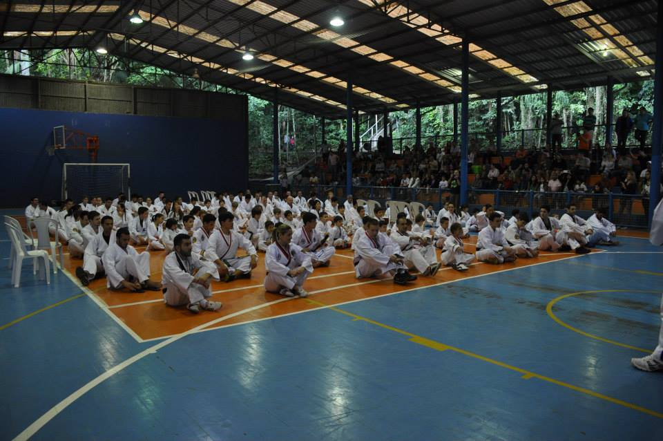 "Copa Barreto Taekwondo 2015  - <i class=""fa fa-download""></i> <a href=""../images/galeria/copa_barreto_2015/foto_24.jpg"" target=""_blank"" download>Download</a>"