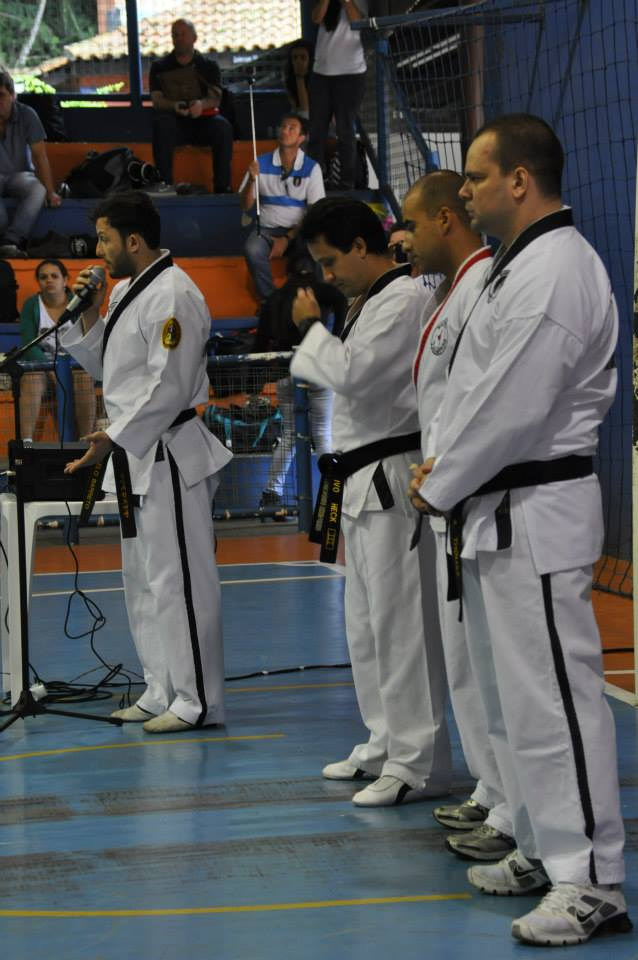 "Copa Barreto Taekwondo 2015  - <i class=""fa fa-download""></i> <a href=""../images/galeria/copa_barreto_2015/foto_26.jpg"" target=""_blank"" download>Download</a>"