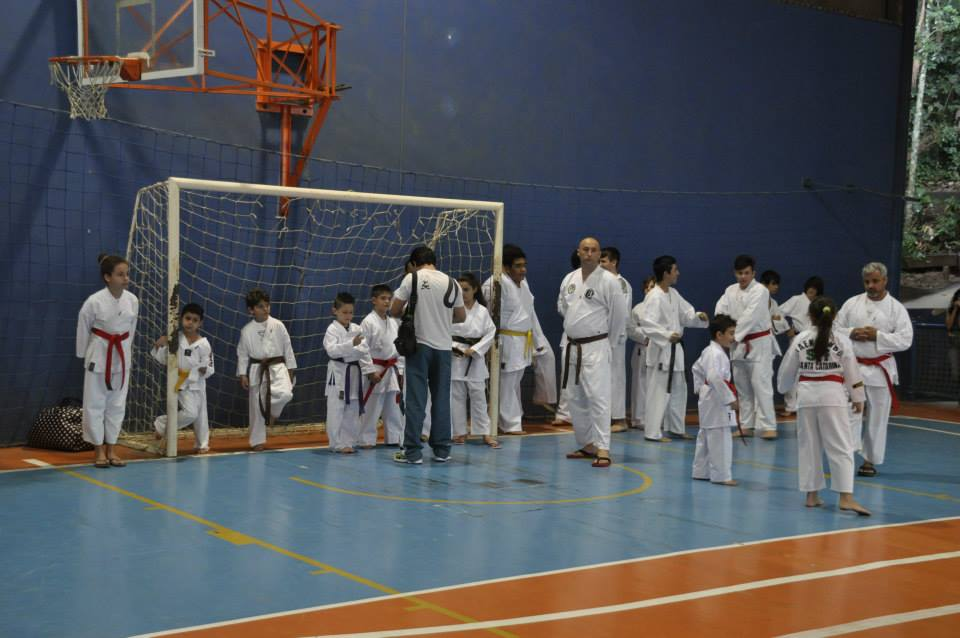 "Copa Barreto Taekwondo 2015  - <i class=""fa fa-download""></i> <a href=""../images/galeria/copa_barreto_2015/foto_3.jpg"" target=""_blank"" download>Download</a>"