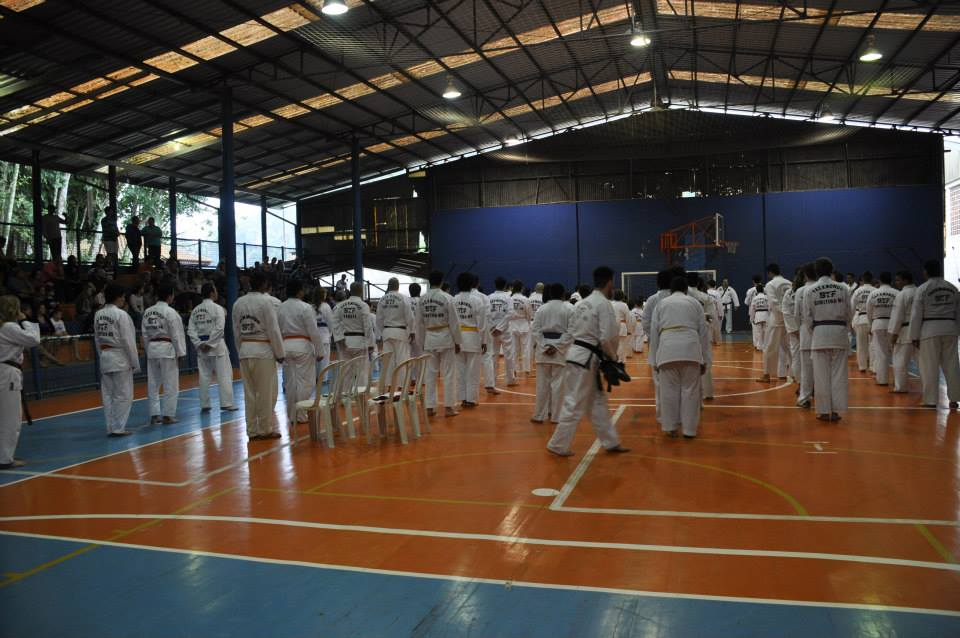 "Copa Barreto Taekwondo 2015  - <i class=""fa fa-download""></i> <a href=""../images/galeria/copa_barreto_2015/foto_31.jpg"" target=""_blank"" download>Download</a>"