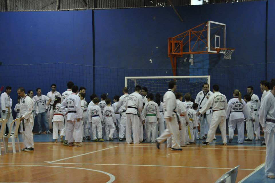 "Copa Barreto Taekwondo 2015  - <i class=""fa fa-download""></i> <a href=""../images/galeria/copa_barreto_2015/foto_32.jpg"" target=""_blank"" download>Download</a>"