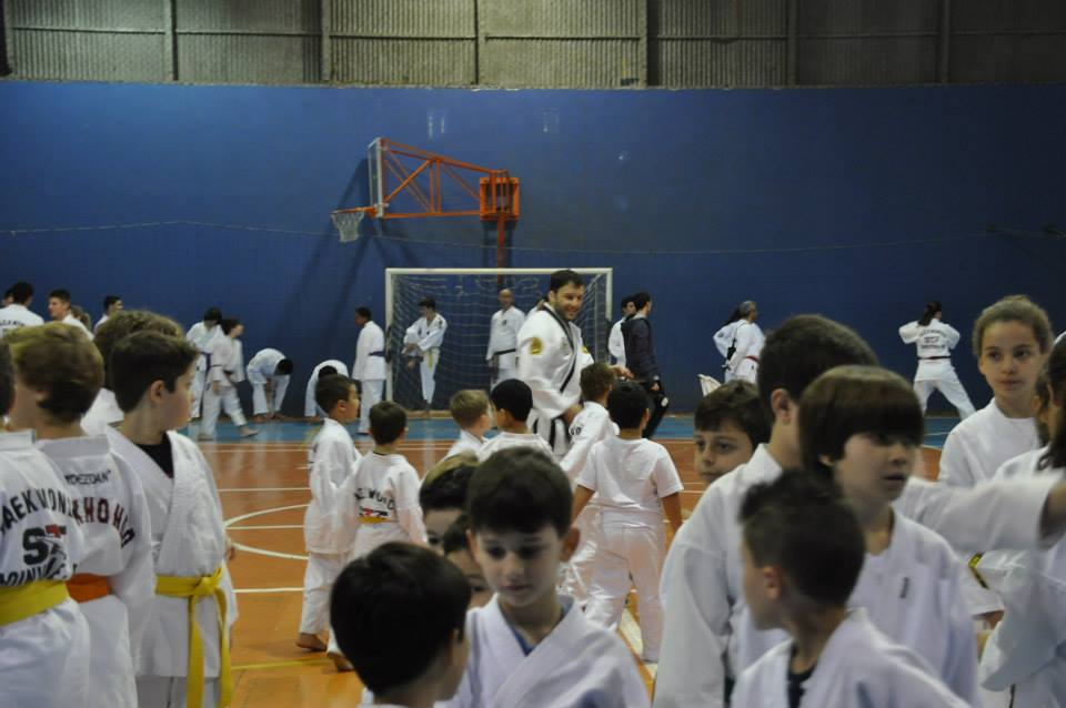 "Copa Barreto Taekwondo 2015  - <i class=""fa fa-download""></i> <a href=""../images/galeria/copa_barreto_2015/foto_34.jpg"" target=""_blank"" download>Download</a>"