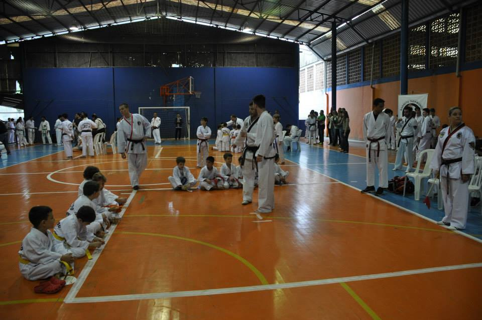 "Copa Barreto Taekwondo 2015  - <i class=""fa fa-download""></i> <a href=""../images/galeria/copa_barreto_2015/foto_39.jpg"" target=""_blank"" download>Download</a>"