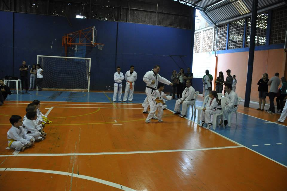 "Copa Barreto Taekwondo 2015  - <i class=""fa fa-download""></i> <a href=""../images/galeria/copa_barreto_2015/foto_47.jpg"" target=""_blank"" download>Download</a>"