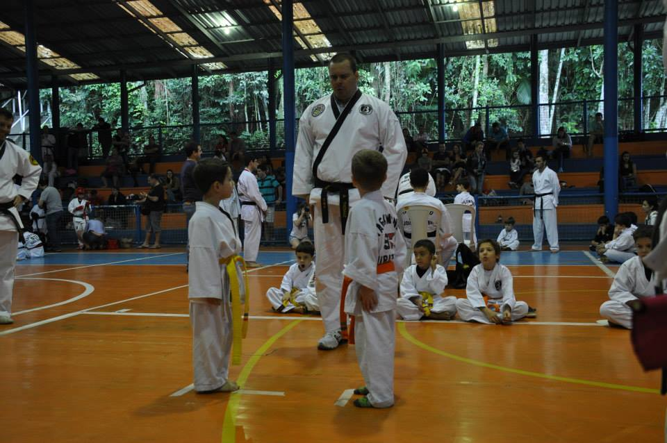 "Copa Barreto Taekwondo 2015  - <i class=""fa fa-download""></i> <a href=""../images/galeria/copa_barreto_2015/foto_57.jpg"" target=""_blank"" download>Download</a>"