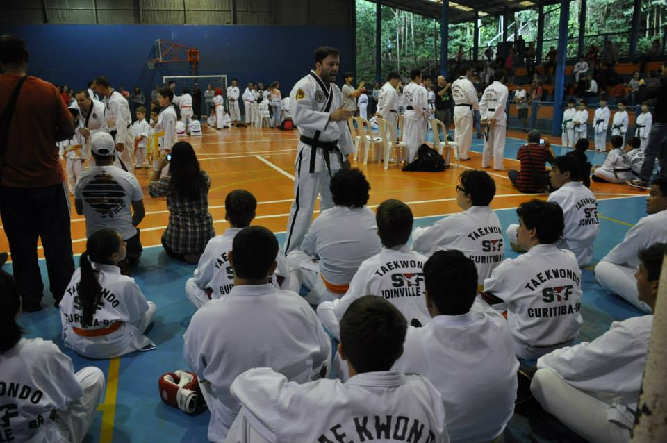 "Copa Barreto Taekwondo 2015  - <i class=""fa fa-download""></i> <a href=""../images/galeria/copa_barreto_2015/foto_72.jpg"" target=""_blank"" download>Download</a>"