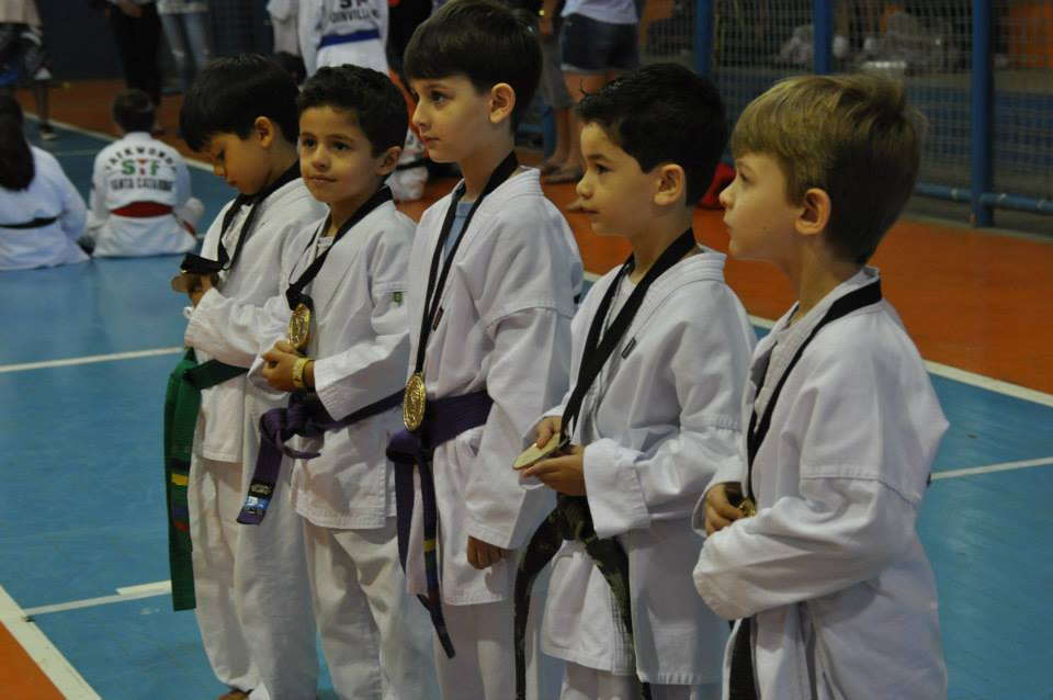 "Copa Barreto Taekwondo 2015  - <i class=""fa fa-download""></i> <a href=""../images/galeria/copa_barreto_2015/foto_76.jpg"" target=""_blank"" download>Download</a>"
