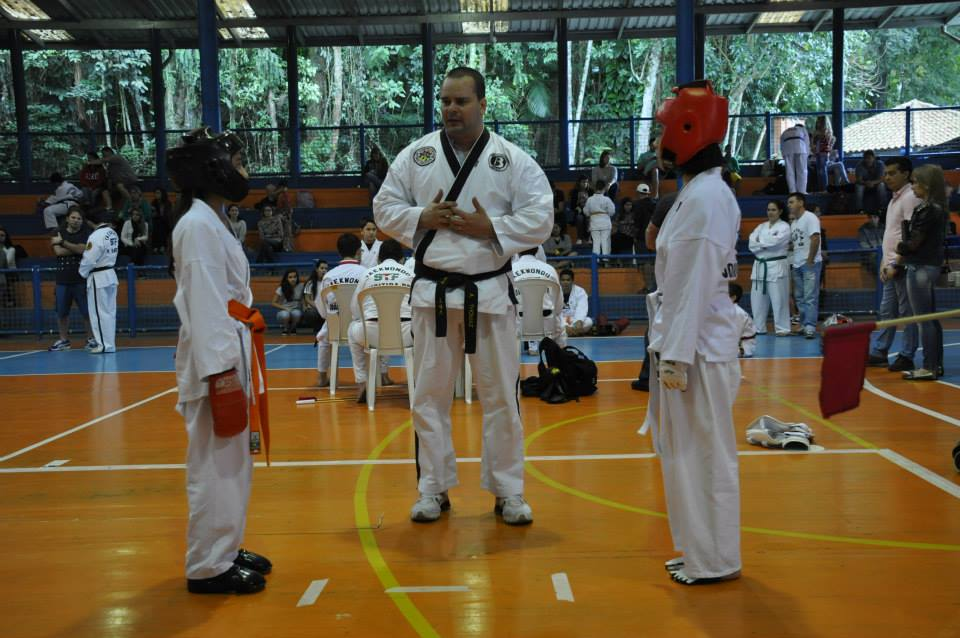 "Copa Barreto Taekwondo 2015  - <i class=""fa fa-download""></i> <a href=""../images/galeria/copa_barreto_2015/foto_85.jpg"" target=""_blank"" download>Download</a>"