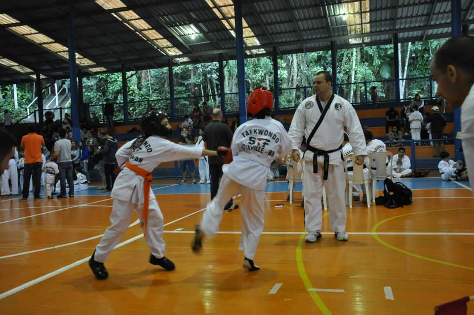 "Copa Barreto Taekwondo 2015  - <i class=""fa fa-download""></i> <a href=""../images/galeria/copa_barreto_2015/foto_86.jpg"" target=""_blank"" download>Download</a>"