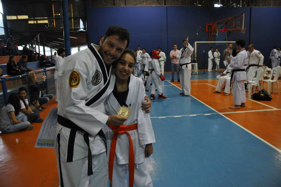 "Copa Barreto Taekwondo 2015  - <i class=""fa fa-download""></i> <a href=""../images/galeria/copa_barreto_2015/foto_90.jpg"" target=""_blank"" download>Download</a>"